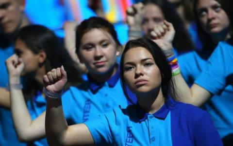 Результаты правления Путина: Треть молодёжи хочет эмигрировать из России