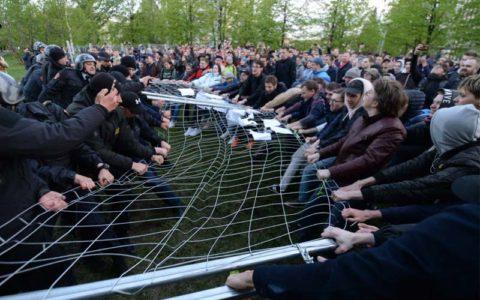 Екатеринбург: нам нужны скверы, а не соборы!