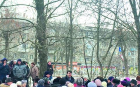 Олег Лебедев на массовых встречах с жителями Рязани рассказывает о конституционных поправках КПРФ
