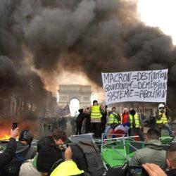 Чему научили протесты во Франции?