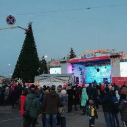 В новогодней столице России не смогли зажечь ёлку