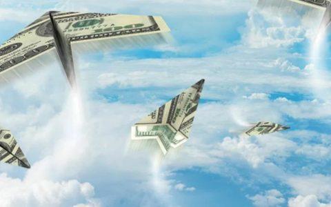 Деньги утекают из страны: Отток капитала за год вырос в 1.5 раза