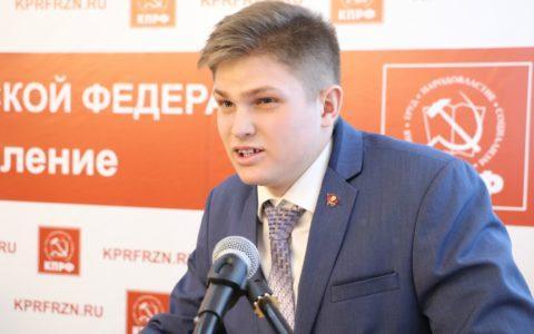 Поздравляем с Днём Рождения Алексея Топоркова